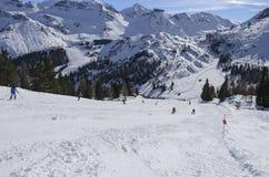 与大雪,阿拉巴的陡峭的滑雪坡道 免版税库存照片
