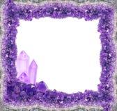与大crysrals的淡紫色紫色的晶族框架 免版税库存照片