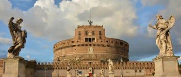 与天使的Castel Sant'Angelo 图库摄影