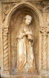 与天使迈克尔和圣洁抹大拉的马利亚和马尔特的Paliotto在Castelvecchio博物馆 维罗纳, 库存照片