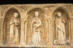 与天使迈克尔和圣洁抹大拉的马利亚和马尔特的Paliotto在Castelvecchio博物馆 维罗纳 免版税库存照片