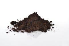 与天然肥料的黑土壤  免版税库存照片