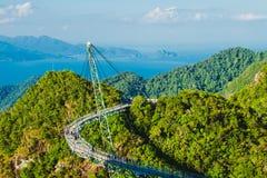 与天空桥梁的惊人的空中风景,标志凌家卫岛,马来西亚 冒险假日 现代技术 旅游胜地 库存图片