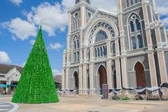 与天主教主教管区的绿色圣诞树庄他武里省的 免版税图库摄影