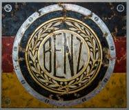 与奔驰车的商标的绘画由德国艺术家Ferencz奥利维尔的 库存照片