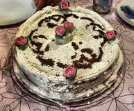 与奶油的生日蛋糕 免版税库存照片
