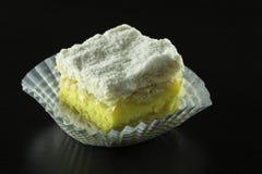 与奶油的蛋糕 库存图片