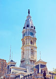 与威廉・佩恩纪念碑的费城香港大会堂圆顶在Towe上面 库存照片