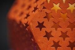 与孔的金属纹理以星的形式 免版税库存图片