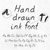 与字母表的手拉的肮脏的墨水难看的东西字体 免版税库存照片