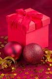 与存在的圣诞节装饰 免版税库存图片