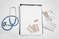 与家庭医生、医疗保健和诊断的咨询 库存照片