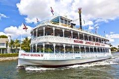 与密林女王/王后河船的巡航 免版税库存照片