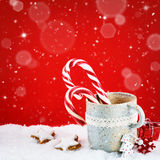 与寒假甜点的圣诞节设置 免版税图库摄影
