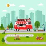 与寿司搬运车的城市风景 免版税图库摄影