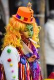 与小丑的狂欢节队伍 图库摄影