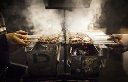 与小串的烤肉 免版税库存照片
