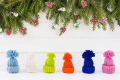 与小帽子的冬天背景 圣诞节新年度 复制空间 库存照片