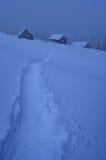 与小径的冬天风景 库存照片
