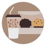 与小管和两个巧克力松饼的外带的咖啡在箱子 免版税库存照片