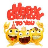 与小组的生日快乐卡片黄色emoji漫画人物 免版税库存照片