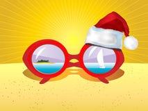 与小船和圣诞节帽子的贺卡 免版税库存照片