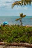 与小船和棕榈树的海滩在西安的钾生物圈' 免版税库存照片