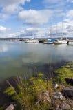 与小船的夏天风景 库存照片