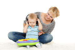 与小婴孩的母亲戏剧 免版税库存照片