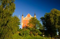与尖顶的阿德默勒尔蒂岛大厦,斯德哥尔摩,瑞典 库存图片