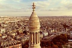 与屋顶的老照片和从Sacre Coeur大教堂的鸟瞰图 库存图片
