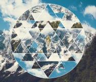 与山的拼贴画环境美化和神圣的几何标志shri yantra 免版税库存照片