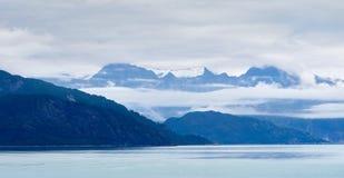 与山的阿拉斯加的地平线 库存照片