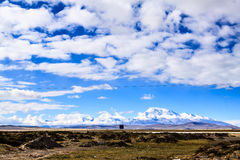 与山的风景 库存照片