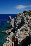 与岩石峭壁的海景, Giglio海岛,意大利 图库摄影