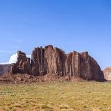 与岩石的风景在纪念碑谷 免版税库存照片