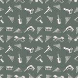 与工具的无缝的传染媒介样式 递剪影与锤子、螺丝、坚果和板钳的被画的背景在灰色背景 免版税库存照片
