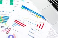 与工商业票据,固定式的办公室的办公桌桌 免版税库存照片