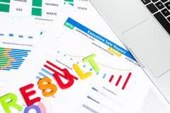 与工商业票据,固定式的办公室, noteboo的办公桌桌 免版税库存图片