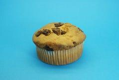 与巧克力中心的松饼 免版税库存照片