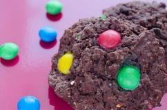 与巧克力candys的饼干 免版税库存照片