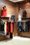 与巨大的收藏的欧洲服装店 库存照片