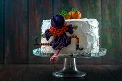 与巫婆和南瓜的蛋糕 库存图片