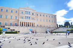 与希腊Evzones战士结构体雅典希腊的希腊议会 免版税库存图片
