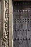 与带状装饰的门廊 图库摄影
