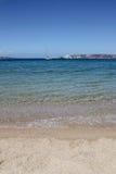 与干净的海的美丽的海滩 免版税库存图片