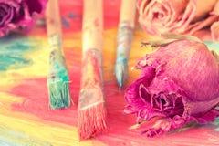 与干燥玫瑰的抽象绘画 图库摄影