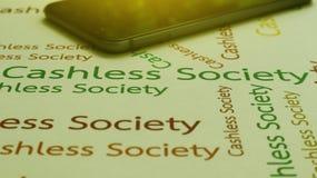 与应用手机的无钱的社会概念薪水 字 库存图片