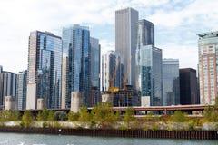 与建造场所的芝加哥地平线 免版税库存图片