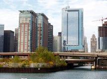 与建造场所的芝加哥地平线 免版税库存照片